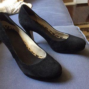 Black suede pumps - size 6.5